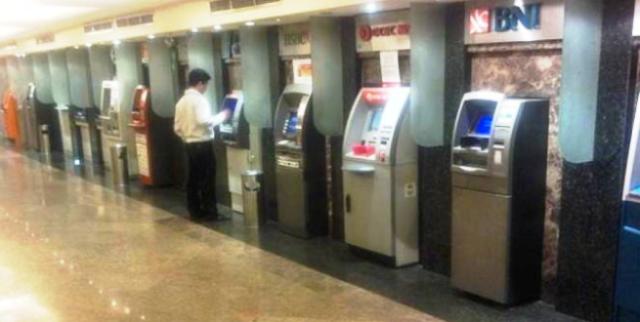 Beberapa Kesalahan ini Masih Sering Dilakukan Saat Menarik Uang di ATM