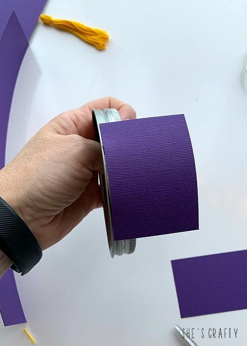 how to make a graduation advice jar - glue cardstock to lid of glass jar