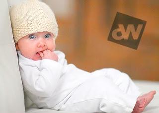 صور اطفال بعيون زرقاء