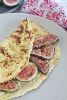 omlet z parmezanem i figami