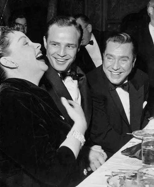 Judy con Marlon Brando