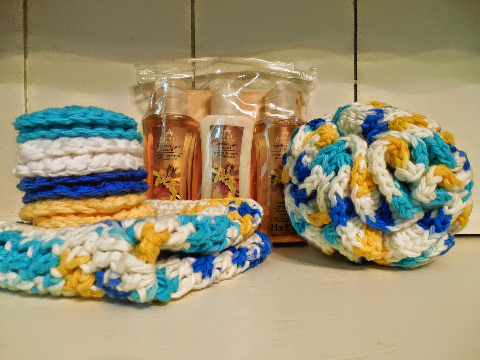 http://reallyreallyrealhousewives.blogspot.com/2014/07/a-hand-crocheted-spa-bath-set-give-away.html