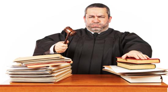 المتهم ما بين البراءة والادانة