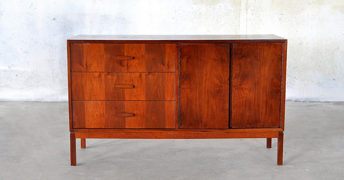 Select modern mid century modern credenza hutch for Modern buffet table with hutch