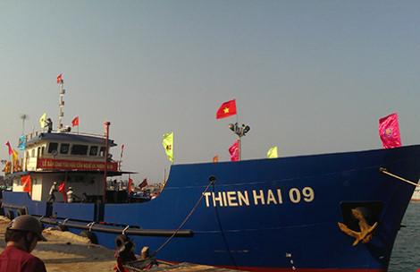 àu Thiện Hải 09 được lắp đặt các trang thiết bị hiện đại, đủ khả năng vươn khơi xa cung cấp nhu yếu phẩm và thu mua sản phẩm của ngư dân.