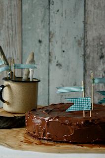 http://www.greencooking.pl/2014/01/ciasto-czekoladowe-z-migdaami.html