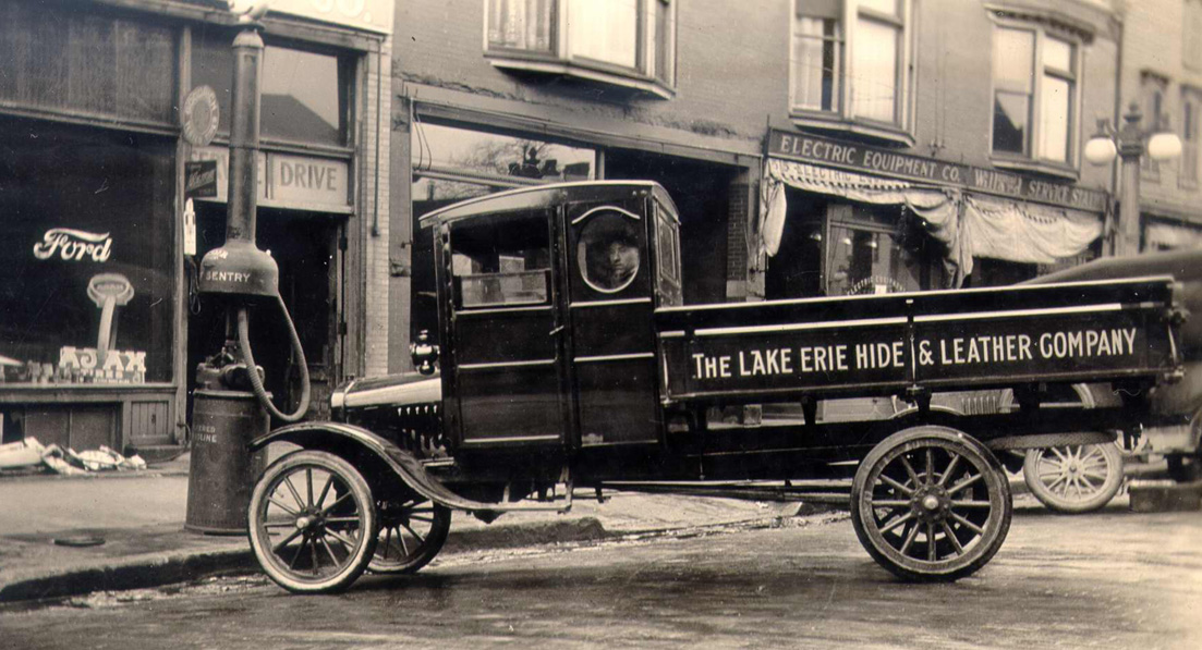 Sandusky history lake erie hide and leather company for Hayes motor company trucks