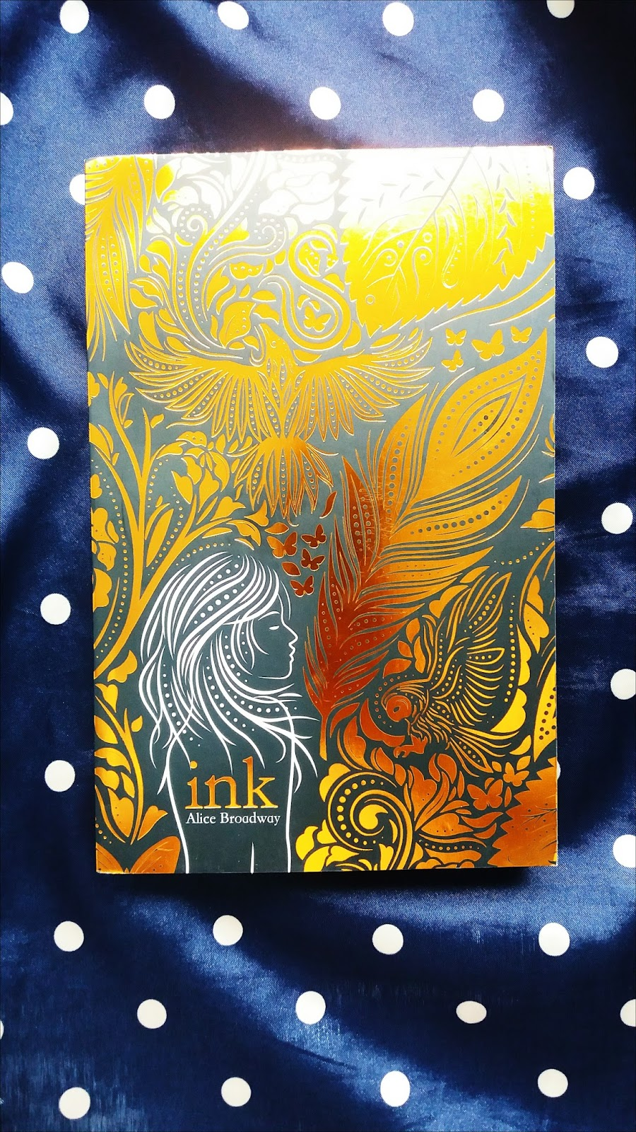 Ink by Alice Broadway Review
