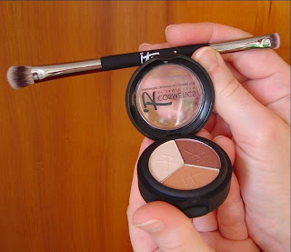 IT Cosmetics Luxe High Performance Eye Shadow Trio (Pretty in Amber) and No-Tug Heavenly Luxe Dual Eyeshadow Brush.jpeg