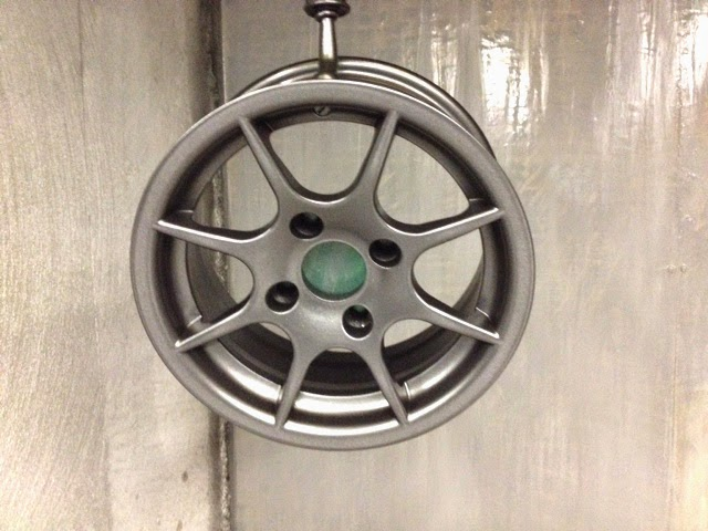 Wheel painted with Skoda glitter black