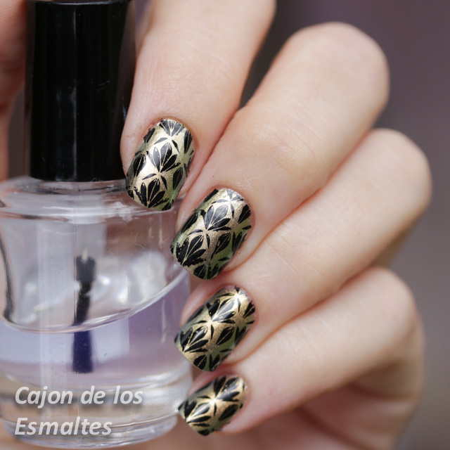 estampado con Chanel Peridot y Bornpretty L007