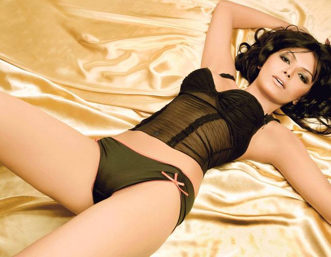 Sherlyn chopra hotest photos