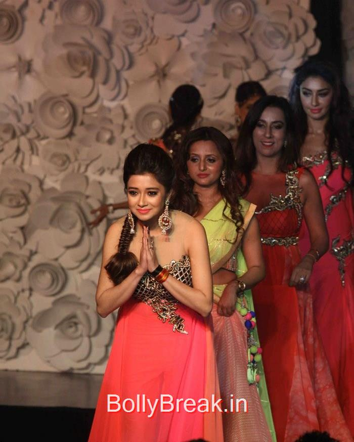 Tina Dutta, Celebs Walk the Ramp at 'Main Tamanna 2' First Look Launch