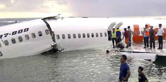 इंडोनेशिया के समुद्र में क्रैश हुआ विमान 189 लोगों के मारे जाने की आशंका