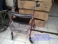 rollator walking aid untuk orang sakit belajar jalan