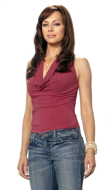 Melinda Clarke season 3 promo promotional photo photos jeans