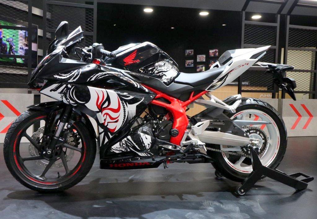 AHM rilis All New Honda CBR 250RR versi Special Edition Kabuki di GIIAS 2017