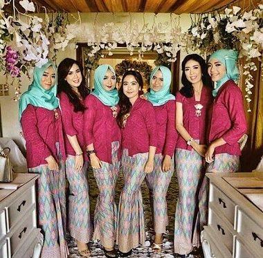 Model Baju Kebaya Keluarga Pengantin Modern Terbaru