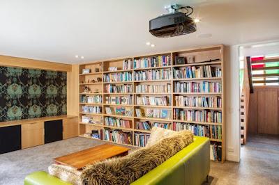 ห้องนั่งเล่นและห้องสมุด