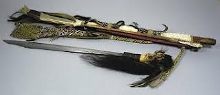 Senjata-adat-Tradisional-Mandau-dari-kalimantan-barat