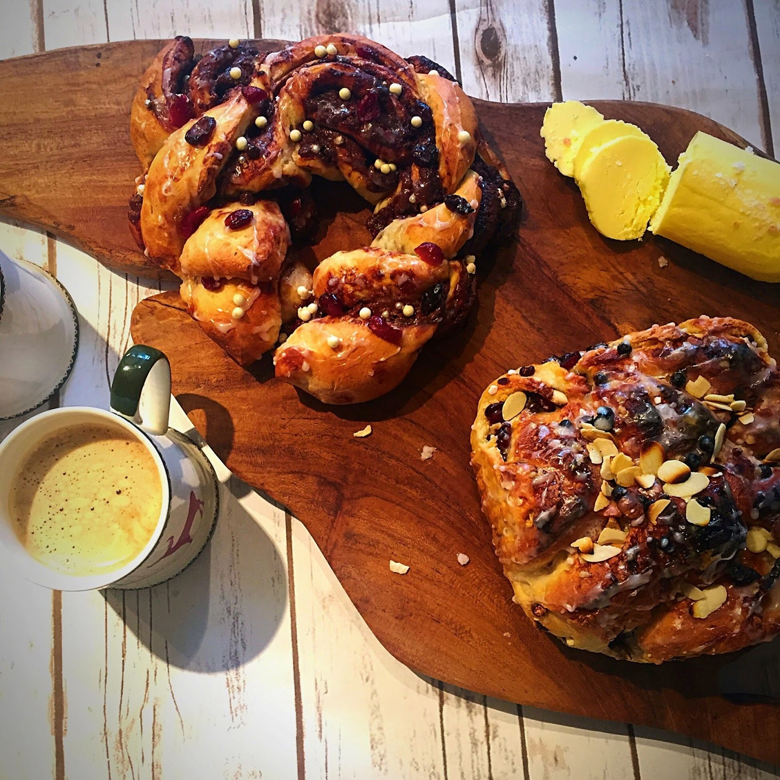Jo's Blue AGA: Christmas Loaves; Nutella Twist & Nutty