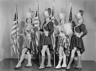 Yanqui Dandy (1942) Yankee Doodle Dandy