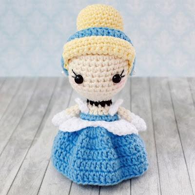 Вязаная кукла амигуруми Золушка крючком
