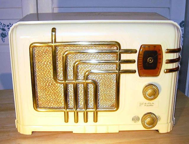 1936 Fada radio