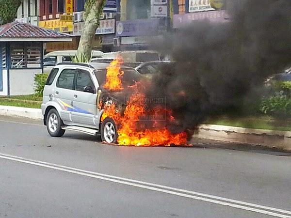 kebakaran mungkin terjadi apabila cermin kereta masuk air