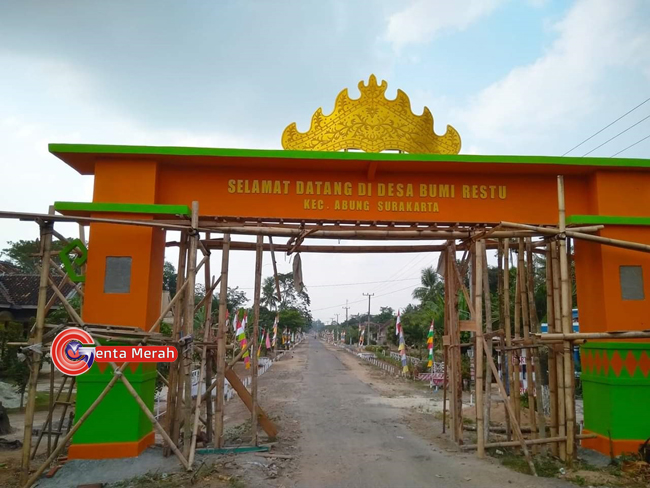 Dirikan Benteng Desa, Kades Bumirestu Akui Sebagai Simbol Kemegahan Masuk Desa