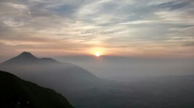 sunrise gunung andong