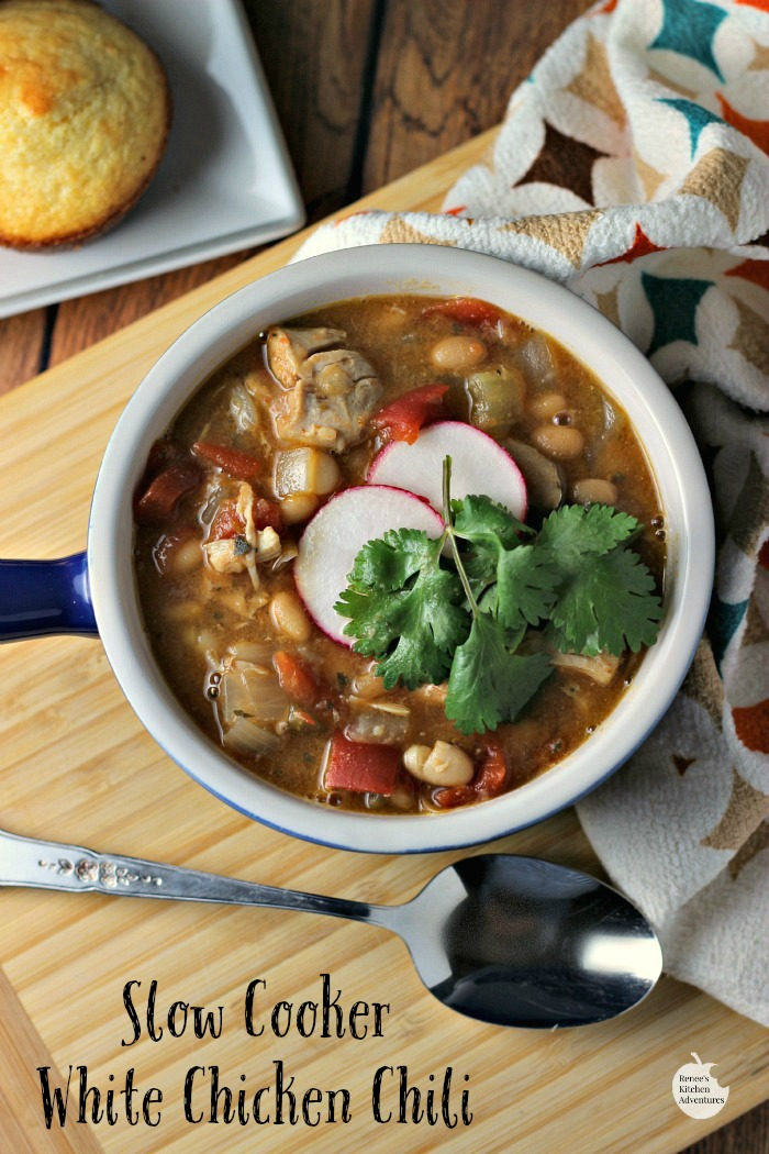 Slow Cooker White Chicken Chili | by Renee's Kitchen Adventures - healthy recipe for chili made with chicken and beans.  Easy to make and tastes so good!!