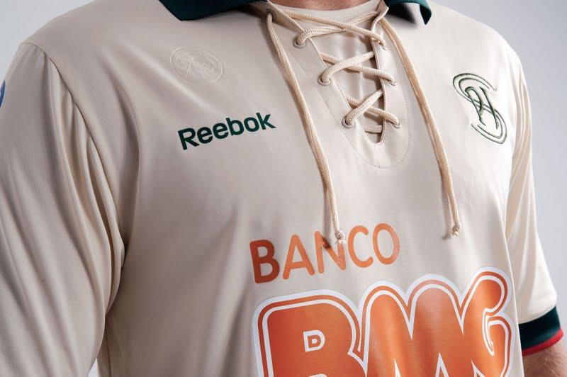 Cruzeiro e Reebok lançam terceiro uniforme com camisa verde - Show de  Camisas aa54dd3caace6