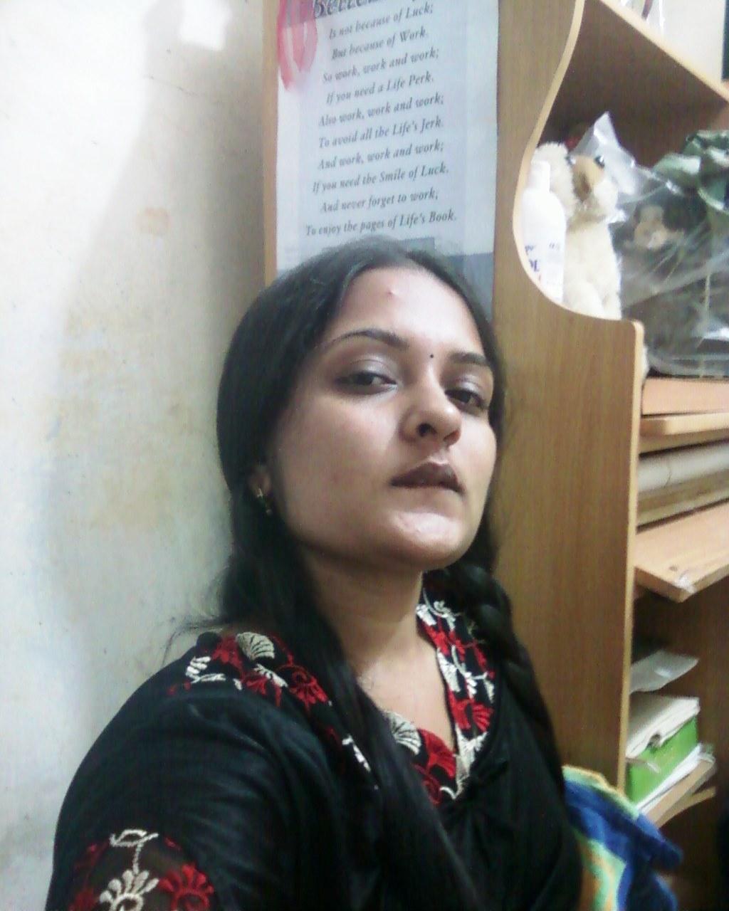 ''Sexy' Girls 'Photo': Mangala Bhabhi 6
