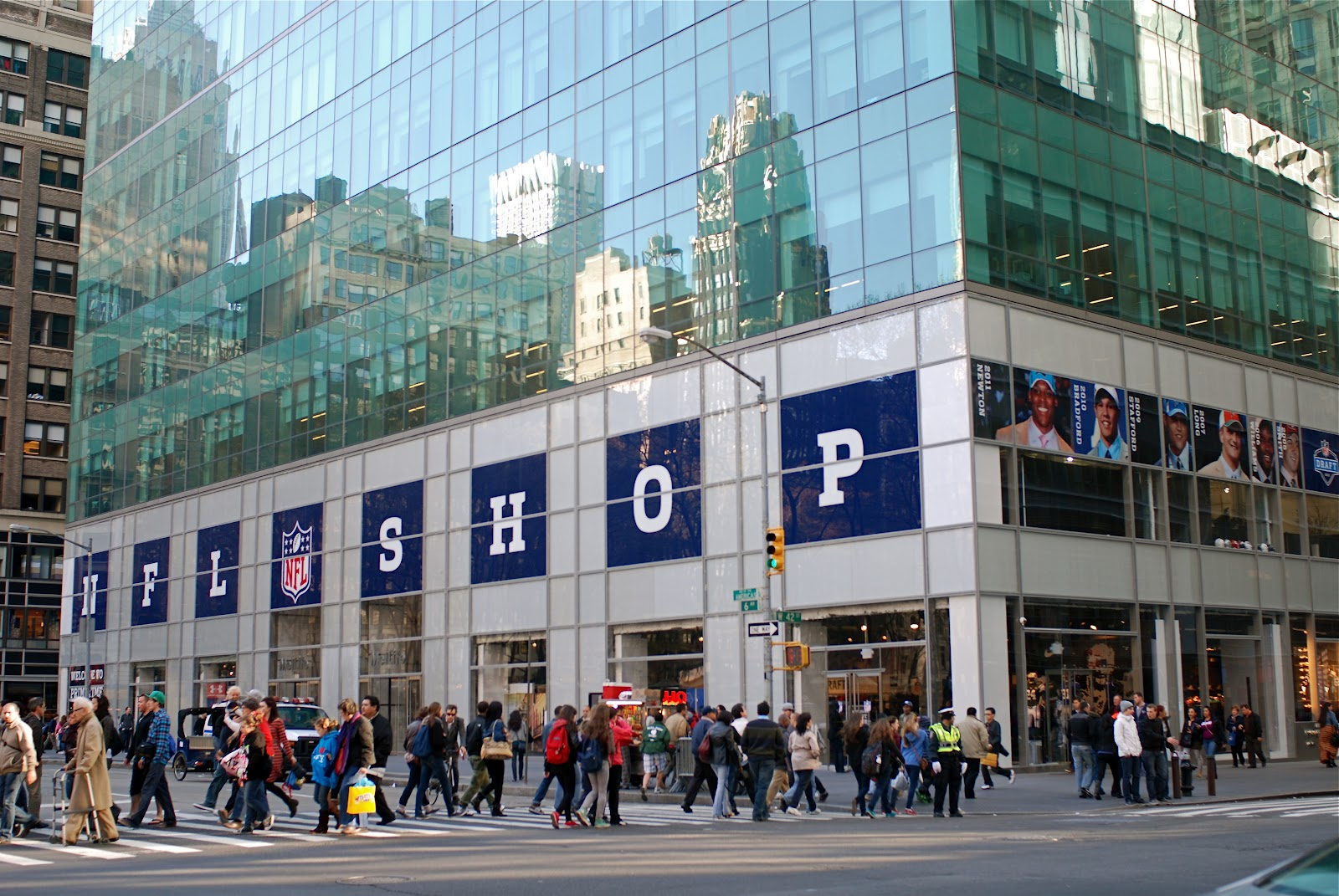 hot sale online beaf3 24444 NYC ♥ NYC: NFL Opens Its First-Ever NYC Pop-Up Store
