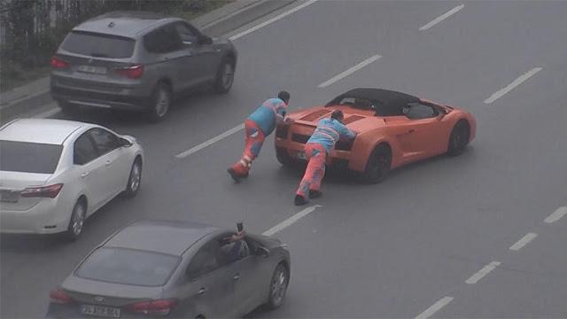 3.5 Milyon TL'lik Lamborghini Yolda Kaldı Belediye Ekipleri İtti - Kurgu Gücü