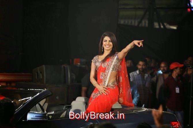 Priyanka Chopra, Photographs: Pradeep Bandekar, Katrina,  Shah Rukh, Priyanka, Deepika At Umang 2015