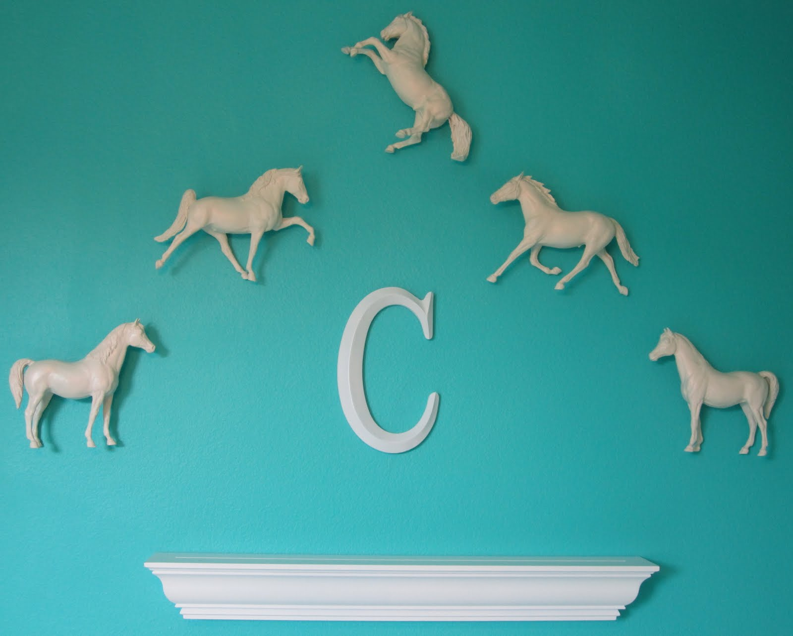 Anythingology Sophisticated Decor For A Horse Loving Girl