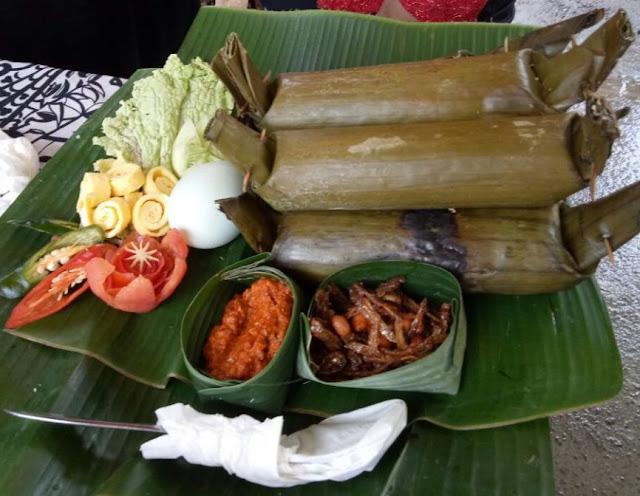 Sego Lemeng/Lemang khas Desa Banjar, Banyuwangi.