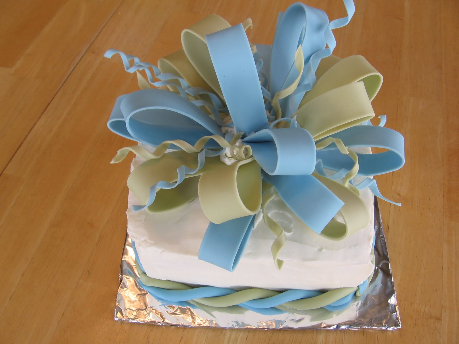 Sweets To The Sweet Fondant Bow