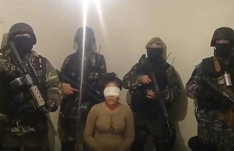 Vídeo: Comandó armado interroga a mujer que incrimina a Gobernador de Chihuahua con el narco