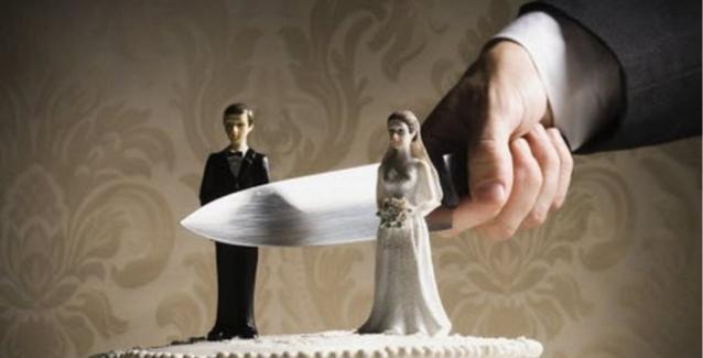 Ηλεία: H «πλάκα» ενός δικηγόρου για διαζύγια σε τιμές Black Friday αποκάλυψε μία πικρή αλήθεια