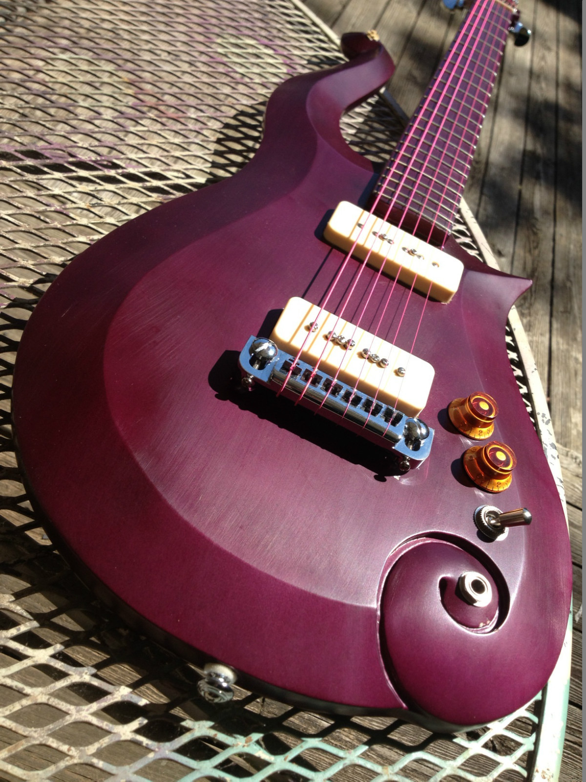 Cloud Guitar Central: Purple Ergo Cloud 4 Sale On eBay!