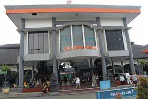 Keberangkatan Kereta Ekonomi Dari Stasiun Gubeng ke Pasar Senen