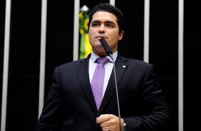 Relator do Refis é sócio de empresas que devem R$ 51 milhões