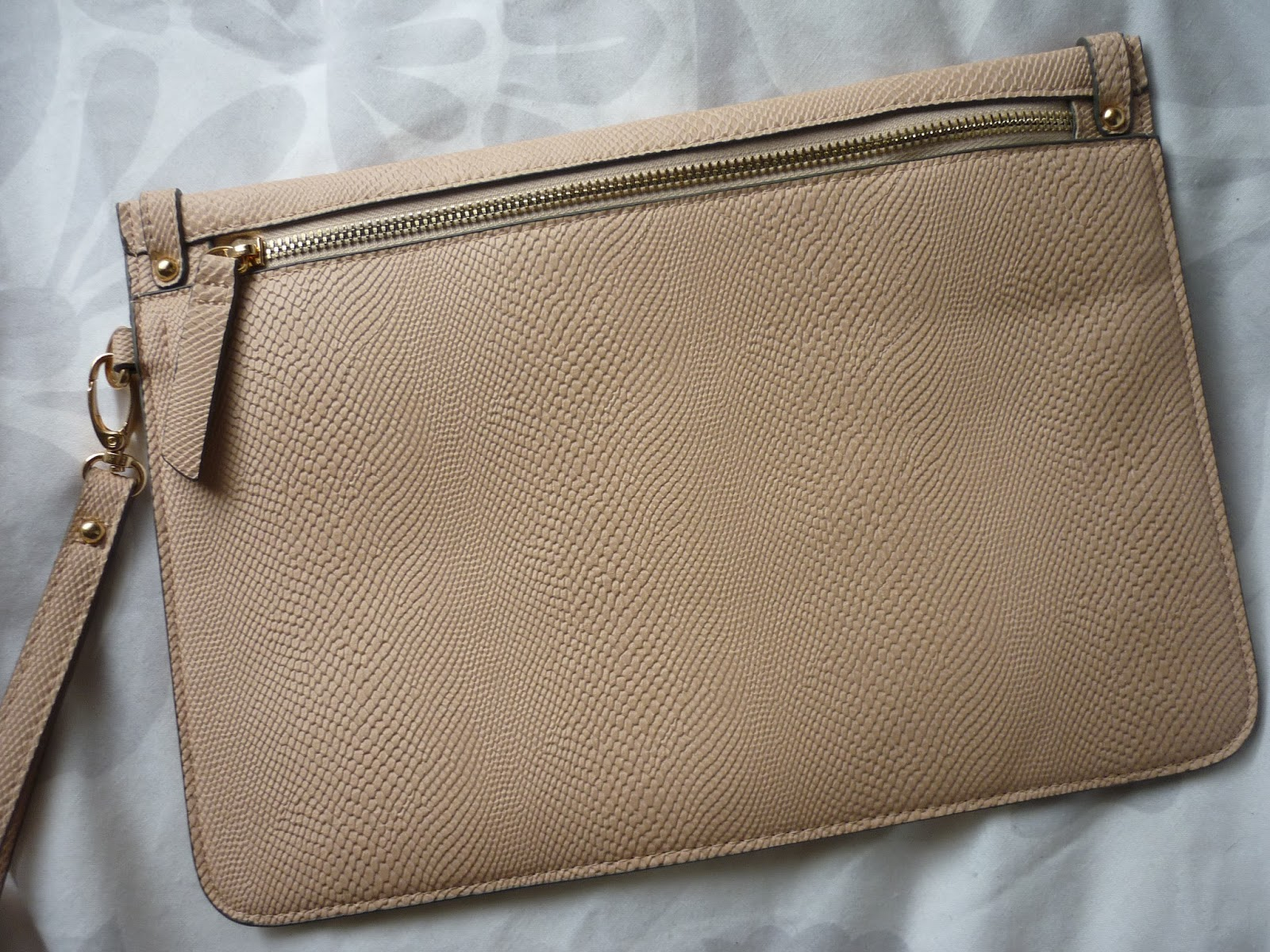 0db9ef6a13 Honeypot Blogs: Accessorize Snake Flat Clutch Bag | Fashion