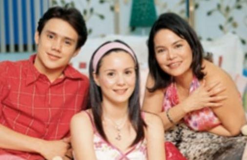 STAGE MOMS: Mga Celebrities Na Laging Kasa-kasama Ang Mga Ina Kahit Saan!