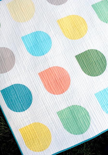 Raindrop baby quilt