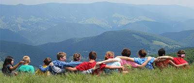 con quién dejar a los niños en verano qué hacer con los niños en vacaciones blog mimuselina