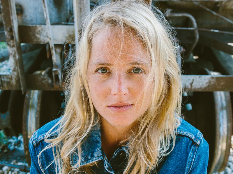 FEATURED ARTIST: LISSIE